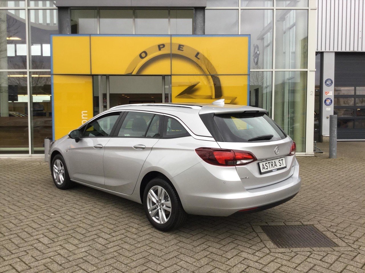 Opel Astra Sports Tourer Online Edition